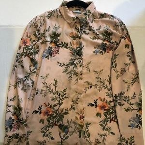 H&M beautiful floral button up blouse